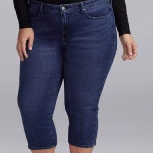 NWT Curves 360 Slim Straight Crop Jeans in Habana